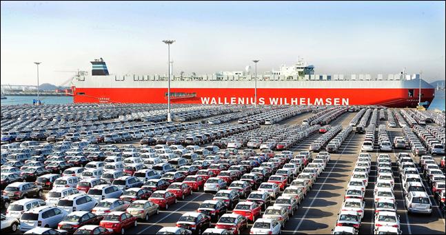 현대·기아차 해외 수출 차량들이 경기도 평택항에서 선적을 기다리고 있다.ⓒ현대자동차그룹