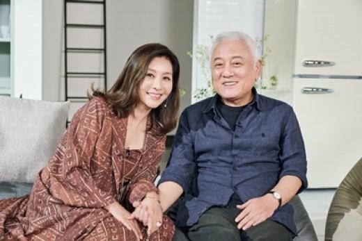 배우 최명길이 남편 김한길의 건강 악화설 보도에 입장을 밝혔다. ⓒ tvN