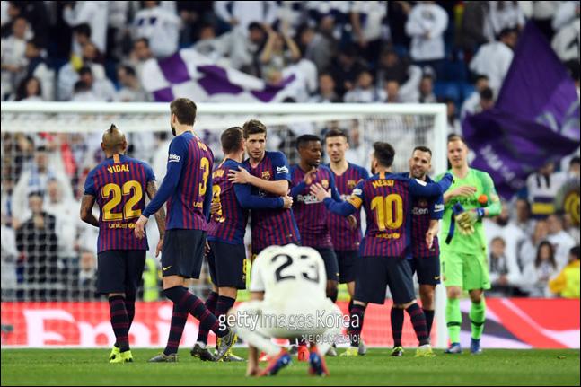 레알 마드리드를 꺾고 국왕컵 결승에 오른 바르셀로나. ⓒ 게티이미지