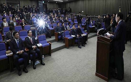 지난 12월 27일 오전 국회에서 더불어민주당 의원총회가 열리는 모습.(자료사진) ⓒ데일리안 홍금표 기자