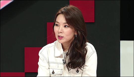 곽정은이 14살 연하남에 대해 논한다. ⓒ KBS JOY