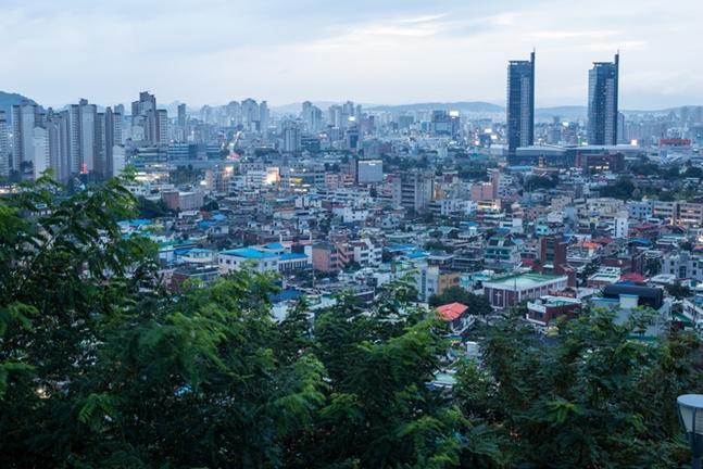 주말마다 계획된 정비사업 수주전이 예상대로 뜨겁게 달아오르고 있다. 사진은 대전시 전경. ⓒ게티이미지뱅크 647