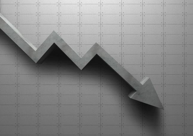 한국은행이 올해 경제 성장률 전망치를 끝내 하향 조정했다.ⓒ게티이미지뱅크