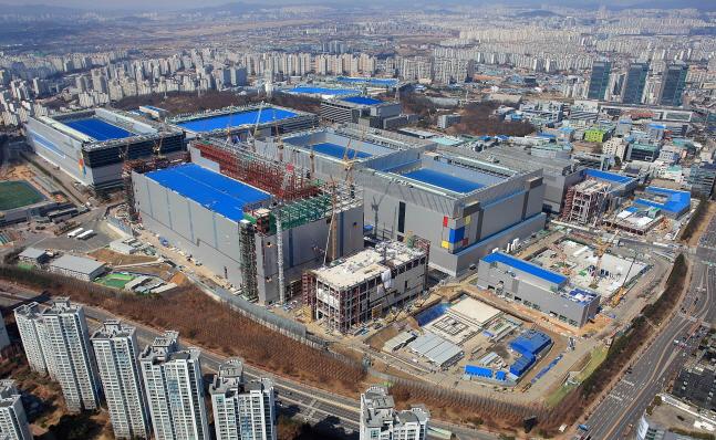 경기도 화성 삼성전자 화성캠퍼스 EUV 생산라인 전경.ⓒ삼성전자