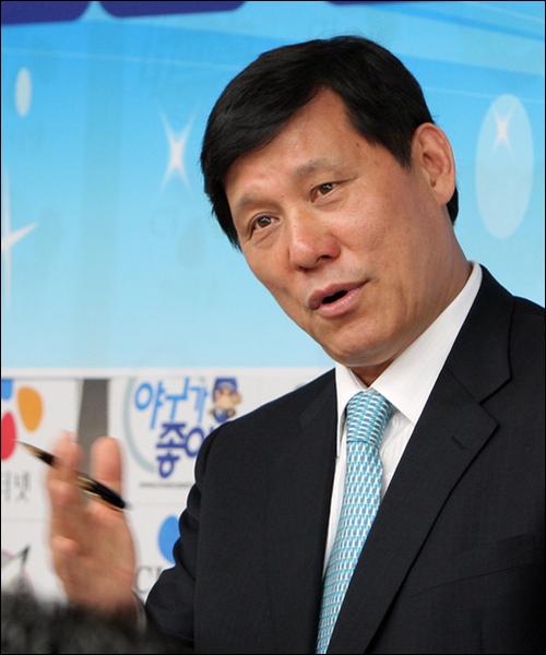 허구연 MBC 해설위원이 류현진(LA 다저스)의 흡연 발언 논란에 대해 사과했다. ⓒ 연합뉴스