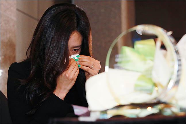 이상화가 은퇴 기자회견에서 눈물을 흘렸다. ⓒ 데일리안 류영주 기자