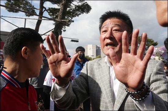 김기태 감독은 지난해 임창용 방출 직후 거센 비난에 직면해야 했다. ⓒ 연합뉴스