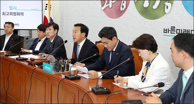 손학규 바른미래당 대표가 22일 오전 국회에서 열린 임시 최고위원회의에서 모두발언을 하고 있다. ⓒ데일리안 박항구 기자