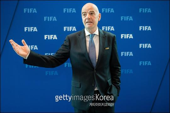 국제축구연맹(FIFA)이 2022년 카타르 월드컵 본선을 기존대로 32개국 체제로 치르기로 했다. ⓒ 게티이미지