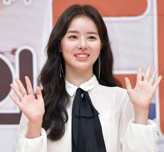 택시기사와 경찰을 폭행해 벌금형과 집행유예를 선고받은 배우 한지선이 출연 중인 드라마 SBS