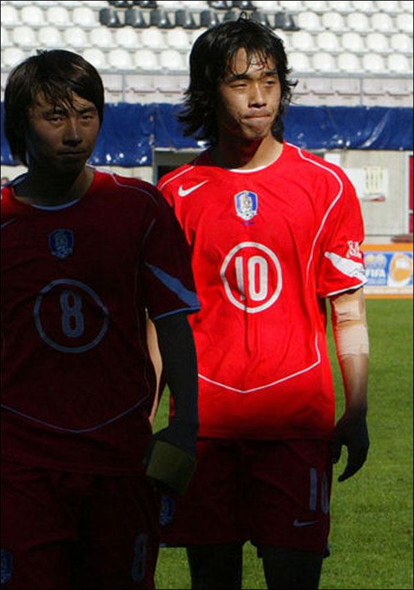 2005년 U-20 월드컵서 나이지리아를 상대로 3분의 기적을 합작했던 박주영과 백지훈. ⓒ 연합뉴스