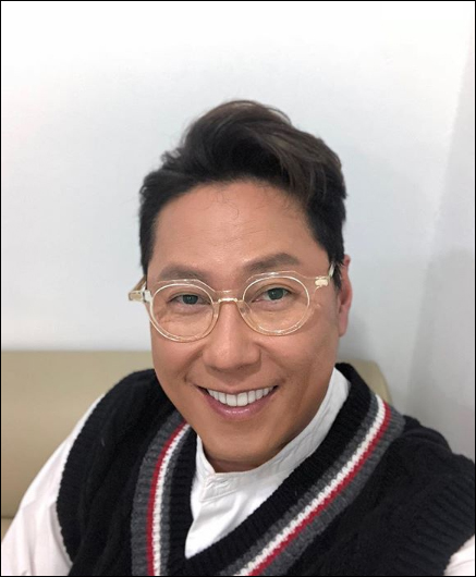 윤종신이 방송활동 중단을 선언했다. ⓒ 윤종신 인스타그램