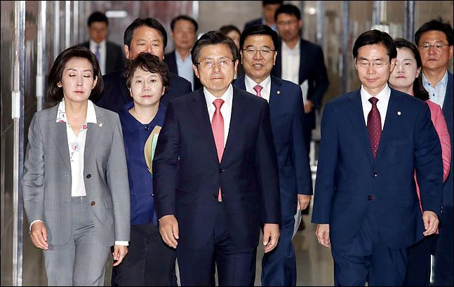 황교안 대표와 나경원 원내대표를 비롯한 자유한국당 최고위원ⓒ데일리안 박항구 기자