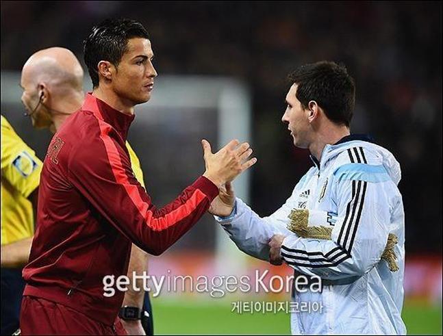 세기의 라이벌 리오넬 메시(바르셀로나)와 크리스티아누 호날두(유벤투스)의 국가대표팀에서 희비가 또 다시 엇갈렸다. ⓒ 게티이미지