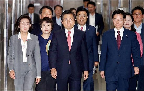 황교안 대표와 나경원 원내대표를 비롯한 자유한국당 최고위원 ⓒ데일리안 박항구 기자
