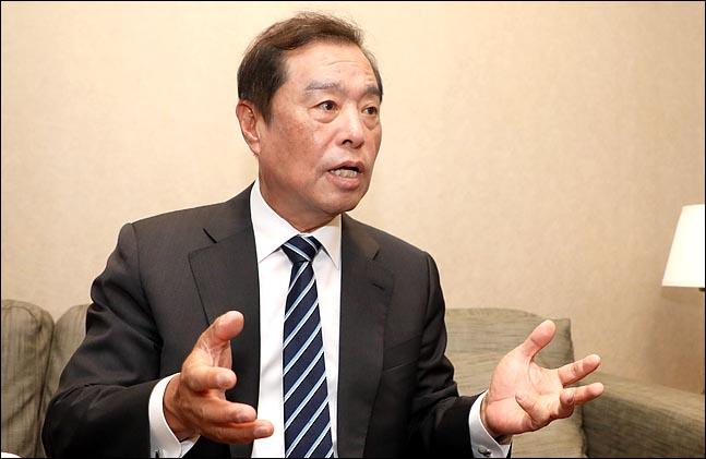 김병준 자유한국당 전 비상대책위원장이 12일 오전 서울 여의도 모처에서 데일리안과 인터뷰를 갖고 있다. ⓒ데일리안 박항구 기자