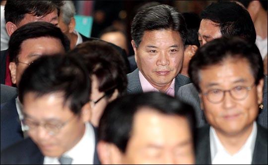 친박계 홍문종 자유한국당 의원이 총선 공천을 앞두고 탈당 후 대한애국당 입당을 시사했다. ⓒ데일리안 박항구 기자
