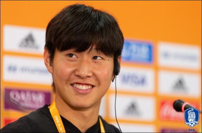 결승전 공식 기자회견에 참석한 이강인. ⓒ 대한축구협회