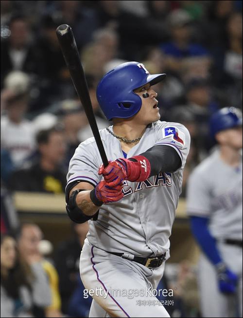 추신수(37·텍사스 레인저스)가 11경기 만에 시즌 12호 홈런포를 가동했다. ⓒ 게티이미지