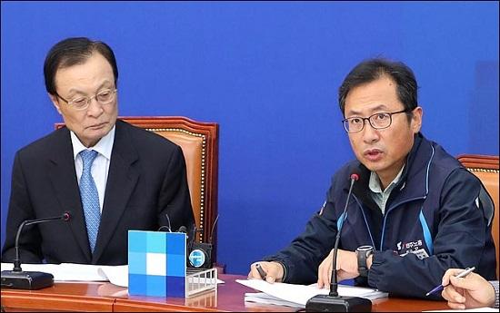 지난해 10월 국회 더불어민주당 대표실을 방문한 김명환 민주노총 위원장이 이해찬 대표를 만나 모두발언을 하고 있다. ⓒ데일리안 박항구 기자