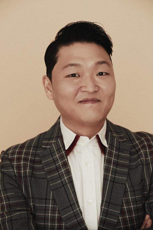 경찰이 양현석 전 YG엔터테인먼트 대표의 성 접대 의혹과 관련해 수사에 착수한 가운데 가수 싸이가 참고인 신분으로 조사를 받았다. ⓒ 피네이션