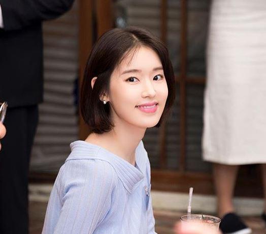 래퍼 빌스택스(바스코) 측이 전 부인이자 배우 박환희를 고소했다.박환희 SNS 캡처