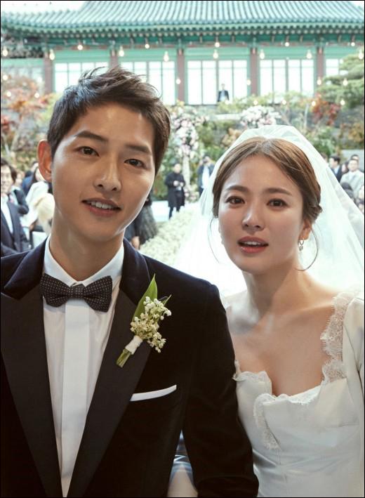배우 송중기와 송혜교가 결혼 1년 2개월 만에 파경을 맞아 충격을 주고 있다. ⓒ 블러썸