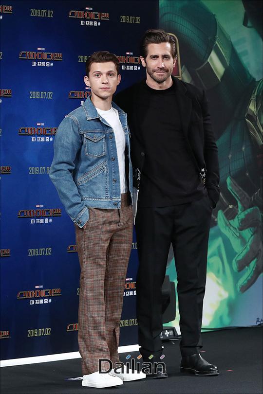 배우 톰 홀랜드, 제이크 질렌할이 1일 오전 서울 종로구 포시즌스호텔에서 열린 영화