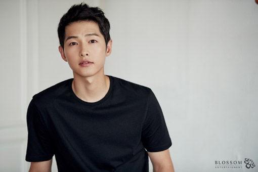 배우 송중기가 송혜교와의 이혼을 뒤로하고 신작 행보에 나선다. ⓒ 블러썸엔터테인먼트