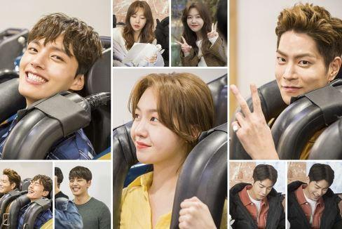 SBS 수목드라마 '절대그이' 여진구-방민아-홍종현이 카메라가 꺼진 후에도 놀이공원에 남아 함께 놀이기구를 즐기며 행복을 만끽하는, '최종화 기념 촬영 비하인드 컷'이 공개됐다.ⓒ SBS