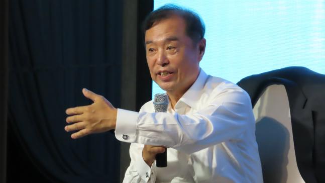 김병준 자유한국당 전 비상대책위원장이 지난 12일 오후 대구그랜드호텔에서 열린 징검다리포럼 대구·경북 창립식에서 청중들의 질의에 답하고 있다. ⓒ데일리안 정도원 기자