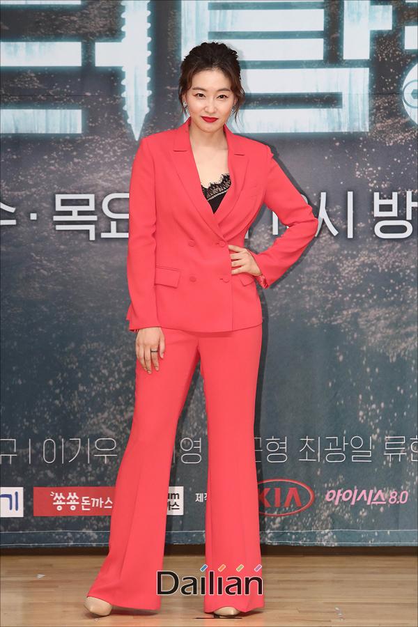 배우 박진희가 SBS 수목 드라마