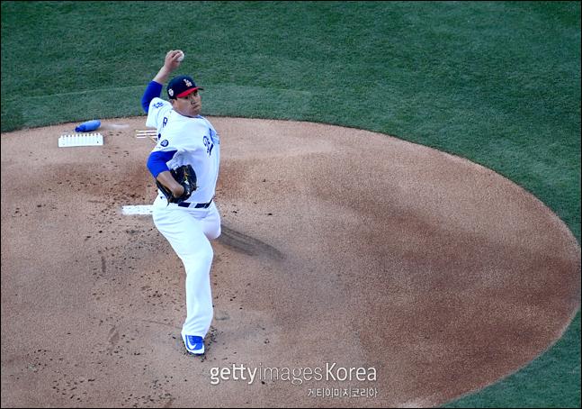 류현진은 올 시즌 홈에서 9번 선발로 나와 7승 무패 평균자책점 0.85로 극강의 모습을 보였다. ⓒ 게티이미지