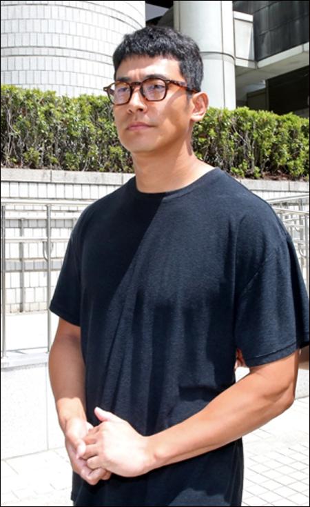 마약 혐의로 1심에서 집행유예를 받은 배우 정석원이 항소심 법정에서 선처를 호소했다.ⓒ연합뉴스