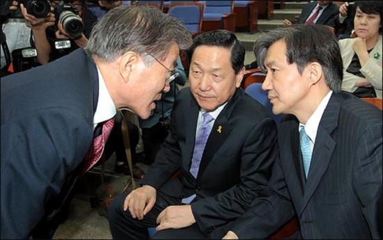 문재인 대통령(사진 왼쪽)과 조국 청와대 민정수석비서관(오른쪽, 자료사진). ⓒ데일리안 박항구 기자