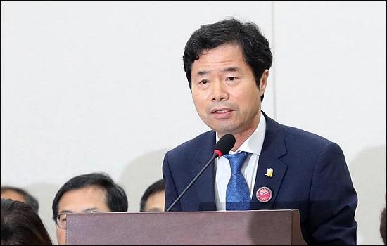 김승환 전북교육감이 6월 26일 국회에서 열린 국회 교육위 전체회의에 출석해 업무보고를 하고 있다. ⓒ데일리안 박항구 기자