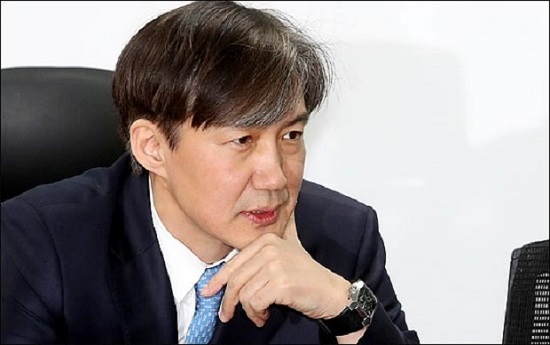 조국 청와대 민정수석이 일본의 무역보복 조치와 관련한