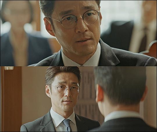 '지정생존자' 지진희의 냉철한 카리스마가 시청자들을 사로잡고 있다. tvN 방송 캡처.