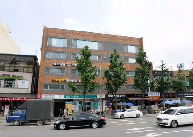 경매에 나온 명지학원 소유 홍제동 효신빌딩 모습. ⓒ지지옥션