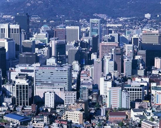 상가투자 시장에 빨간불이 켜졌지만 중장기적 관점에서 투자수요는 계속 이어질 전망이다. 사진은 서울 전경. ⓒ게티이미지뱅크