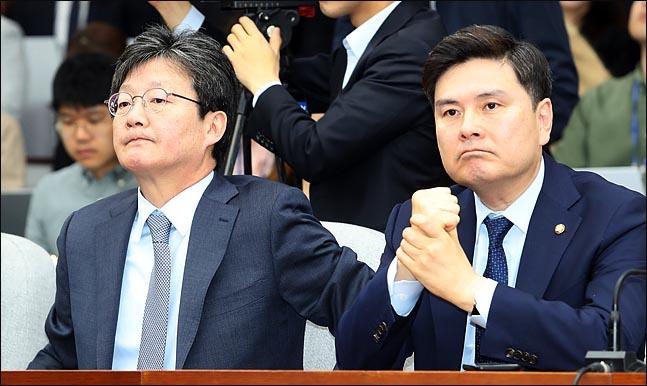유승민 바른미래당 의원과 지상욱 의원이 입을 굳게 다물고 있다(자료사진). ⓒ데일리안 박항구 기자