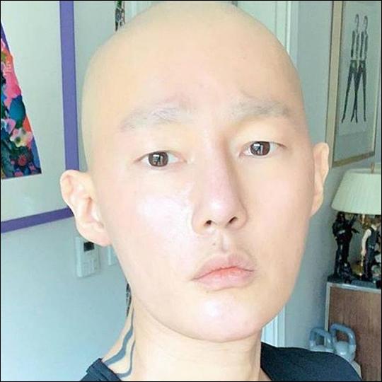 허지웅이 악성림프종 완치 소식을 전했다. ⓒ 허지웅 SNS
