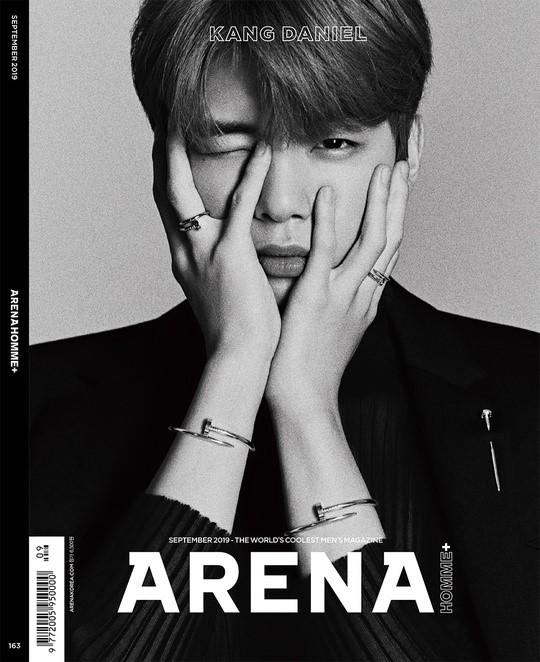 가수 강다니엘이 패션 잡지 표지를 장식했다. ⓒ아레나 옴므 플러스