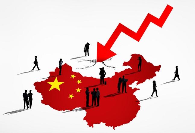 미국과 중국 간 무역분쟁이 환율전쟁으로 옮겨 붙으며 전 세계 증시가 출렁이고 있다. 해외시장에 투자하는 펀드 수익률도 요동치고 있는 가운데 중국펀드에 대한 투자자들의 고민도 기로에 선 모습이다.ⓒ게티이미지뱅크