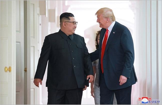 김정은 북한 국무위원장(왼쪽)과 도널드 트럼프 미국 대통령. ⓒ조선중앙통신
