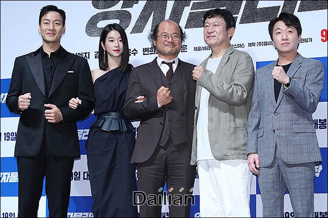 13일 서울 강남구 압구정CGV에서 열린 영화