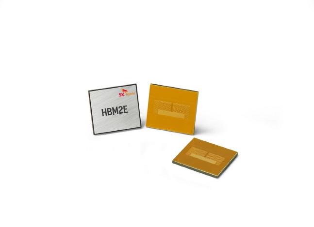 SK하이닉스 최고속 HBM2E D램.ⓒSK하이닉스