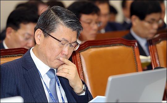 13일 금융위원회는 은 후보자가 금융정책국, 구조개선정책관, 금융산업국의 업무 보고를 받았다고 밝혔다. ⓒ데일리안 박항구 기자