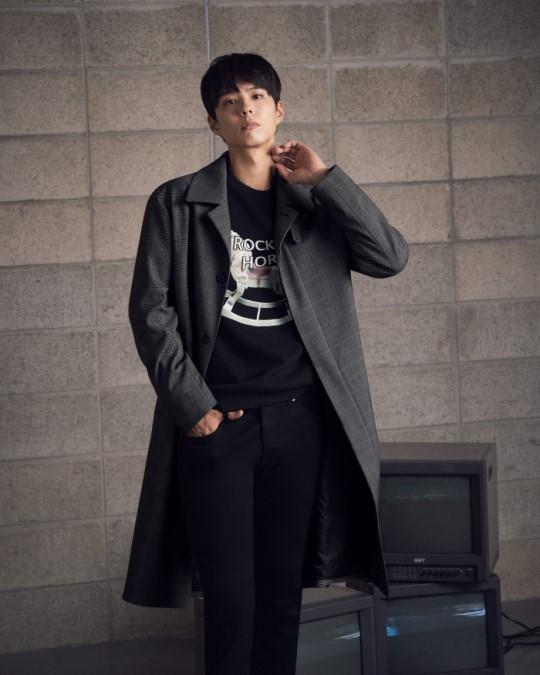 배우 박보검이 화보를 통해 가을 남자로 변신했다.ⓒTNGT