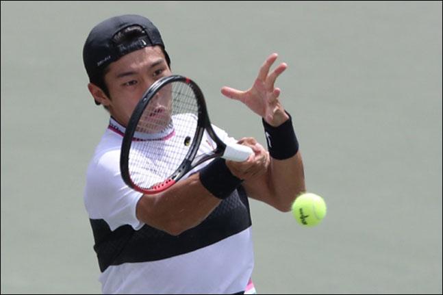 ATP 투어 단식 본선 사상 최초의 청각 장애 선수 승리라는 금자탑을 세운 이덕희. ⓒ 연합뉴스